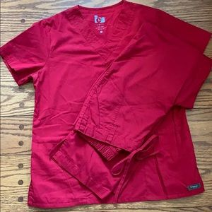 Barco scrubs red